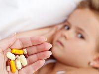 Επικίνδυνη η άσκοπη χορήγηση φαρμάκων στα παιδιά
