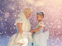 Ένα κορίτσι που δίνει μάχη με τον καρκίνο βρίσκει τη χαμένη της αυτοπεποίθηση στο πρόσωπο μιας πριγκίπισσας