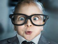 Πως θα καταλάβουμε ότι το παιδί πρέπει να το δει οφθαλμίατρος;
