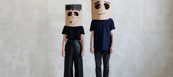 Είμαστε απλά…άνθρωποι